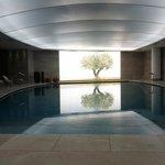 Εσωτερική θερμενόμενη πισίνα SPA