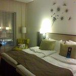 The bed. Zzzznore!