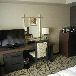 Premier Floor - Desk and TV