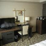 Premier Floor - Desk and TV