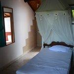 Zimmer mit großem Moskitonetz