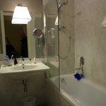 bagno camera 402 hotel Rapallo