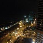 Lungomare di notte dal lounge
