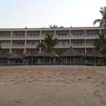 Vista del Hotel desde el mar Sept 2012
