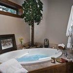Cascade bath