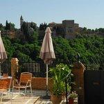 Terraza con vistas a la Alhambra