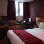 la chambre est petite mais pour un séjour court c'est parfait