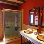 Baño con cabina hidromasaje Casa Nº1