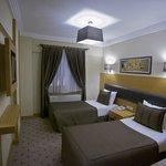 Mirilayon Hotel Image