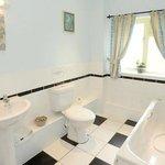 bathroom to bedroon 3