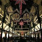 CentrO mit Weihnachtsbeleuchtung