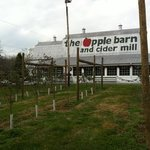 ‪The Apple Barn and Cider Mill‬