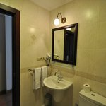 Bathroom, room 405, Daphne Hotel, Sultanahmet, Istanbul, May 2012