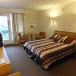 Standard Lodge Single Queen Room