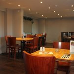 Modern side restaurant 2