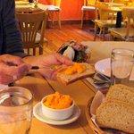 Ah! el tenetempié, esperando el plato principal, esa mayonesa de zanahoria!