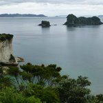 walk to Cathedral Cove