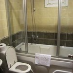 Tub, Shower, and window - Rm 304