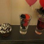 Tiny cake + Fruit + Jello