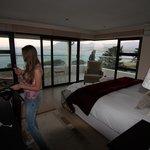 Очень уютная кровать с видом на океан