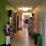 first floor elevator landing. all landings were decorated for holidays.