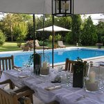Diner table aroud the pool