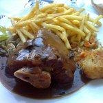 Jambonneau sauce forestière