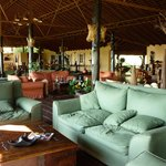 Loung and dining room at Tiplikwani Lodge