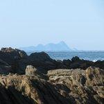 Arquipélago de Alcatrazes ao fundo do canto esquerdo da praia de Maresias