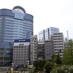 Look for the Toyota Amlux building which is attached to Sunshine City