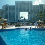 vista desde la piscina y playa