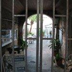 Zdjęcie The Courtyard Restaurant