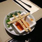 Salsa de Pimiento con tiras de hojaldre con especias