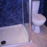 Un-closeable shower door...