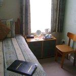 Standard Single Room 5