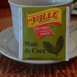 desayuno con mate de coca