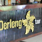 Derleng tour desk.