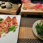 maki, sushi, grilled salmon and mixed algae with sesam