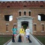Entrada do Fort Jefferson, todos prontos para mergulhar