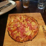 "Childrens 8"" Ham and Pineapple pizza"