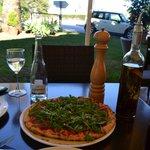 Pizza de Jamón de Parla y Rucula