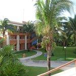 vista de los jardines de este gran hermoso hotel
