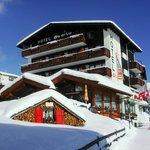 Hotel Etoile im Schnee