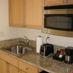 The small kitchenette in the room. Larger rooms have a complete kitchen!