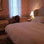 King Bedroom - Traditional / Standard