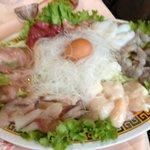 La fondue pékinnoise... avec le canard laqué, spécialité à tester... fruits de mers + viande à c