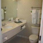 Room 322 bathroom