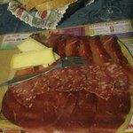 tagliere di salumi & formaggio ( buoni )