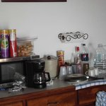 Suite D- Kitchenette-