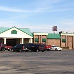 Ample parking and a holdover design from the building's days as an American-inspired buffet.